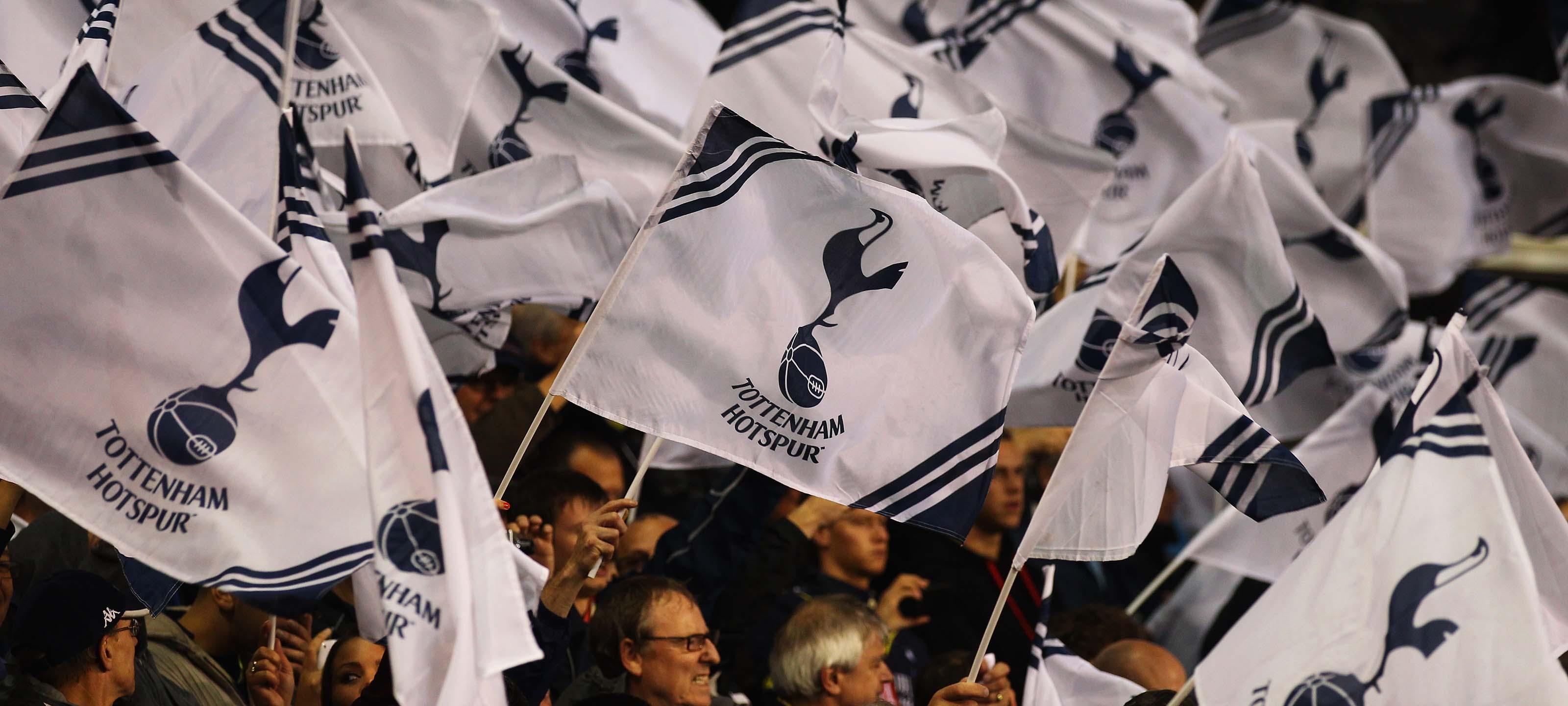 Tottenham Hotspur FC officiel Football Cadeau Plaqu/é argent Dog Tag Cha/îne et/ /Une Excellente id/ée de cadeau danniversaire//de No/ël pour hommes et gar/çons